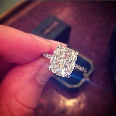 1.55 Ct Cushion Cut Diamond Solitaire Engagement Ring w/ Round Pave E,VS1 GIA