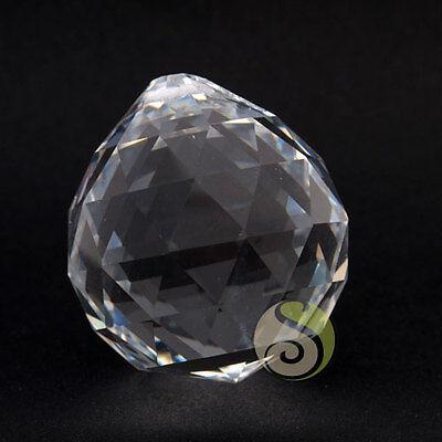 Boule cristal à facette feng shui, sun catcher 30mm à suspendre