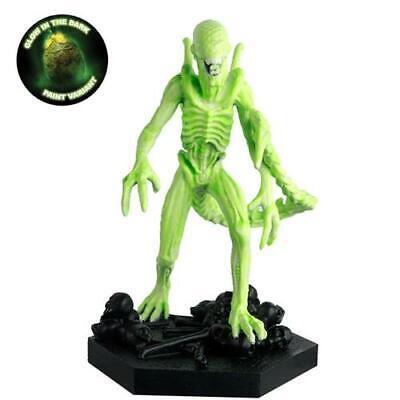 Alien & Predator Figures - Predator Vision Xenomorph Figurine (Glow in the...