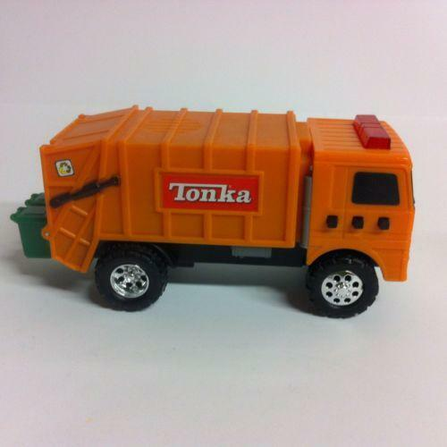 Tonka garbage truck ebay for Tonka mighty motorized cement mixer