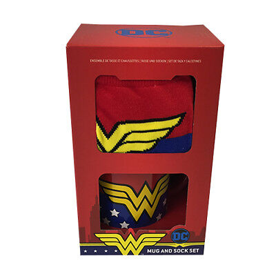 Women Superheroes And Villains (Official DC Comics Wonder Woman Mug and Socks Set : 70s Superheroes And)