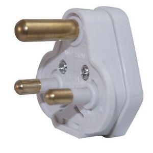 NEW Round 3 pin electrical plug 5 AMP BS546