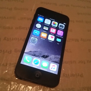 Unlocked iPhone 5 - 32GB - Space Gray