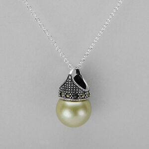 BRAND NEW NECKLACE WITH FAUX PEARLS & MARCASITES