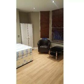 En-Suite Room To Rent Charleville Road, West Kensington W14 9JH