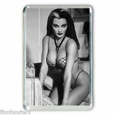 NOSTALGIA :THE MUNSTERS: 'Yvonne DeCarlo as Lily Munster' JUMBO  Fridge Magnet