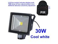 New 30W / 50W LED Floodlight With PIR Motion Sensor Security Garden Cool Day White Waterproof
