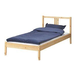 Bed and Mattress (IKEA) - Lit et mattelass (Twin)