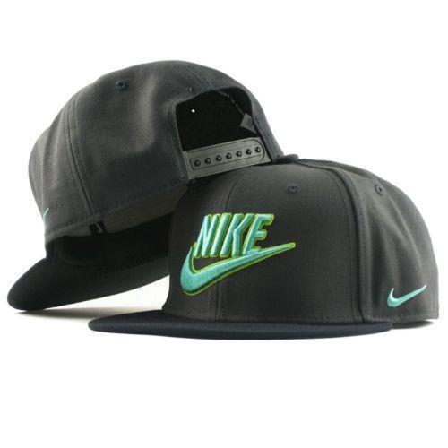 Nike Snapback  Clothing ed4d0ef21c0