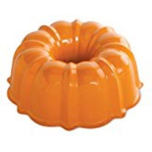 12 Cup Bundt Cake Pan