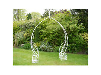 We have a stylish selection of Wedding Arches and Summer Seats for your summer wedding !