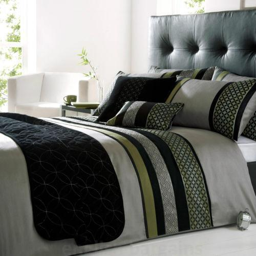 Black Green Bedding