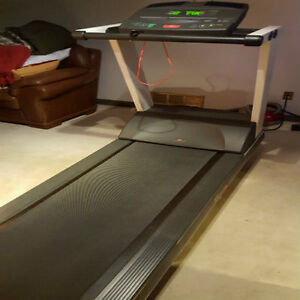 PRECOR 9.41si Low Impact Treadmill London Ontario image 4