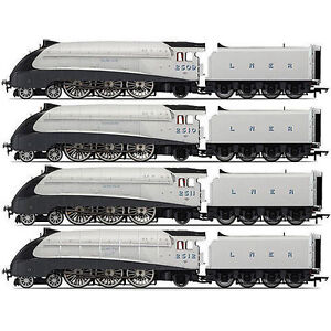R3337 Hornby Silver Jubilee Collection - 80th Anniversary LNER A4 Set OO Gauge