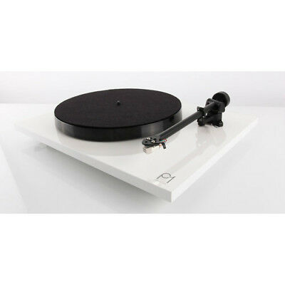 Rega PL1 Planar 1 Turntable With Carbon MM Cartridge White