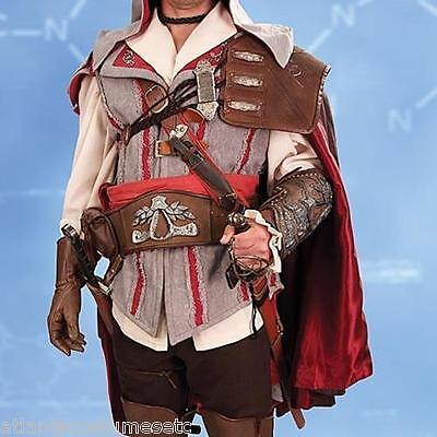 Museum Replicas Assassins Creed II Ezio Leather Pauldron Ultra-Suede Satin Cape