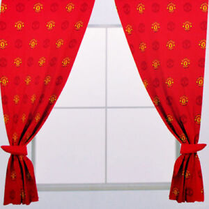 MANCHESTER UNITED FC REPEAT CREST CURTAIN PAIR BLIND 72 INCH DROP NEW XMAS GIFT