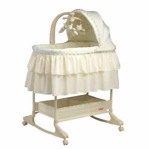 Fisher Price Bassinet with thick Matress Huntingdale Gosnells Area Preview