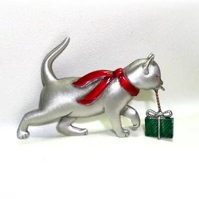 Jj Vintage Christmas Kitty Cat With A Chrstmas Present Dangling Brooch Pin