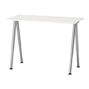Large and stylish IKEA Computer/Study Desk. Fully assembled.