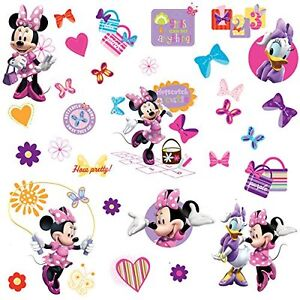 Super Sweet Minnie Mouse Twin Ensemble & Curtains Wall stickers Cornwall Ontario image 3