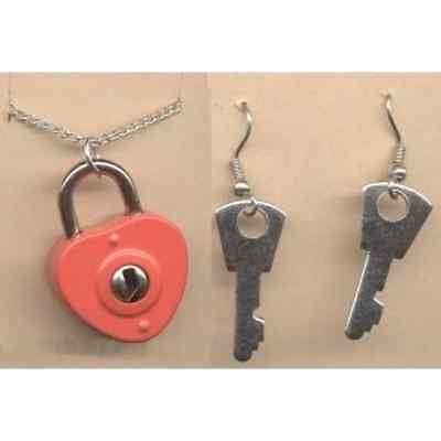 Funky HEART LOCK and KEY NECKLACE & EARRINGS SET-BFF Couple Love Costume - Lock And Key Costume