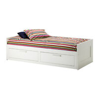 Daybed Brimnes White Ikea with mattress and drawers