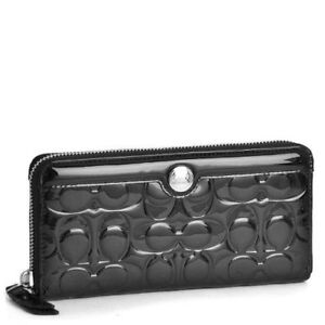 Coach Patent Leather Zip Wallet in Grey - Excellent condition