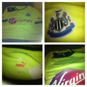 Newcastle United Shirt Medium