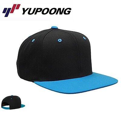 Yupoong Classic Snapback Cap Schwarz / Neonblau Snapback Cap Schwarz Blau