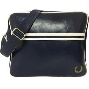 827be7b9c1ca Fred Perry Navy Bag