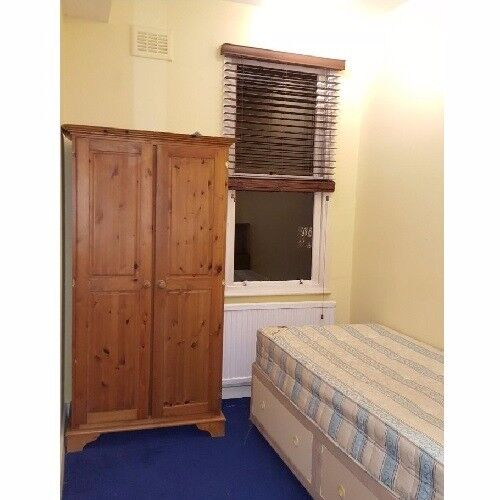 Room To Rent In Great Location
