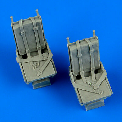 QUICKBOOST QB48681 Seats w/Safety Belts for B-25 Mitchell in 1:48