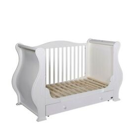 Nursery Furniture Set Marie 7 Piece Room Set - White