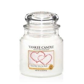 Yankee candle snow in love medium Jar 411g BRAND NEW Great gift
