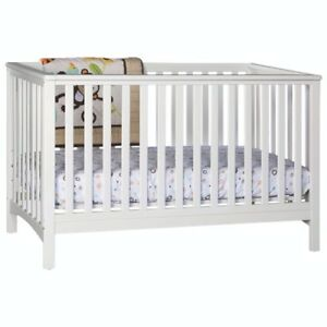 Stork Craft Hillcrest Stages 4-in-1 Convertible Crib -NEW IN BOX