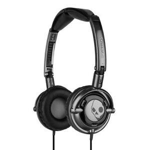 Skullcandy-Lowrider-Black-with-Mic-1-On-Ear-Stereo-Headphones-S5LWCY-033