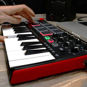 MPK Mini 2 - MIIDI controller in brand new condition!