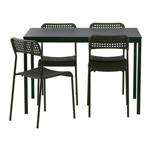BLACK DINING SET FOR SALE / ENSEMBLE À MANGER NOIR À VENDRE