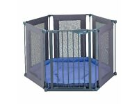 Lindam Play pen with floor mat and gate