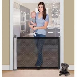Summer Infant Retractable Gate - Silver/Black