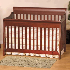 Baby Crib 3 in 1 with baby mattress