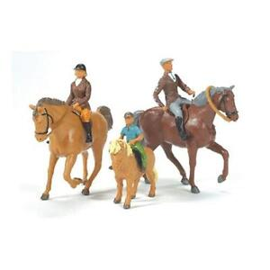Tomy 40956 Britains Childrens Toy Horse Riding Family Figures Farm Accessories