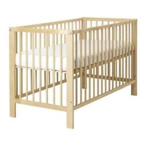 EUC Modern Crib