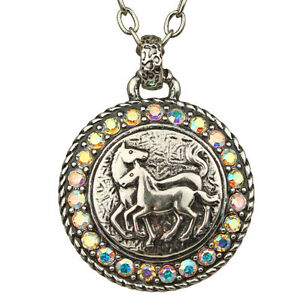 NEW-KIRKS-FOLLY-NOBLE-STEED-LUCKY-HORSE-MEDALLION-NECKLACE-ANTIQUE-SILVERTONE