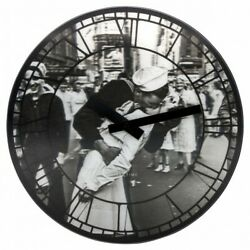 Boyle NeXtime Modern Indoor Stylish Wall Clock Kiss Me in New York