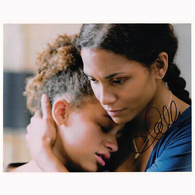 Halle Berry - Things We Lost in t... (44576) - Autographed In Person 8x10 w/ (Things Berry)