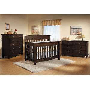 Solid Wood Pali Tuscan 3 Way Convertible Crib w/attachments.