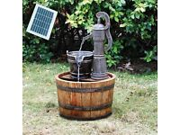 WOODEN BARREL GARDEN WATER FEATURE PUMP (SOLAR-POWERED) *FREE UK DELIVERY*