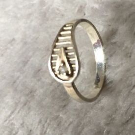 """Ancient Egypt inspiration"" Vintage sterling SILVER small finger RING"